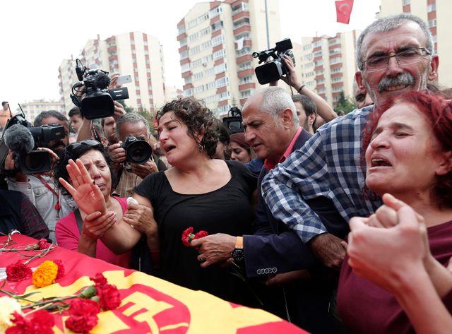 Les enterrements ont commencé dimanche à Ankara
