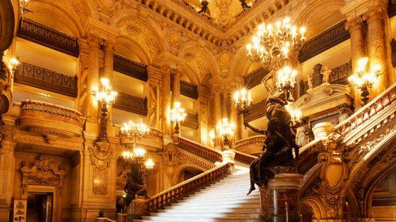 Le grand escalier du Palais Garnier (©Corbis)