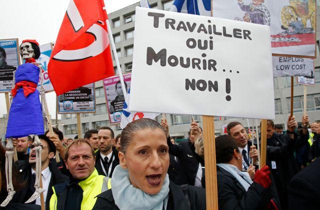 Salariés d'Air France en marge du CCE
