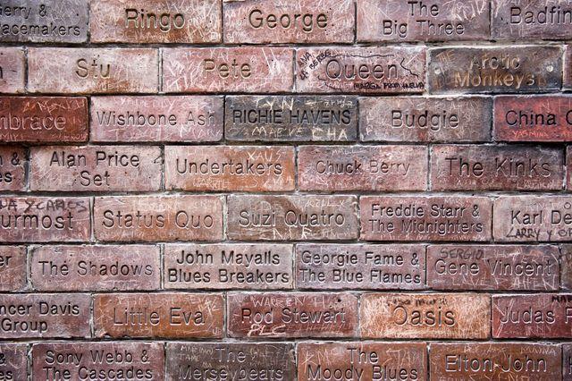Inscriptions de musiciens et groupes sur Mathew Street, Liverpool , Angleterre