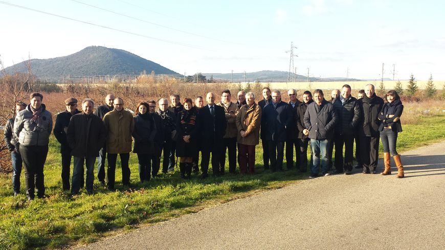 Des chefs d'entreprises de Montélimar sur le site de la future gare TGV d'Allan.
