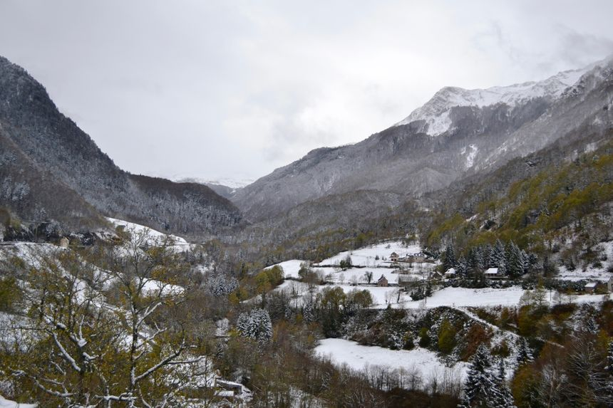 La vallée d'Aspe traverse les Pyrénées.