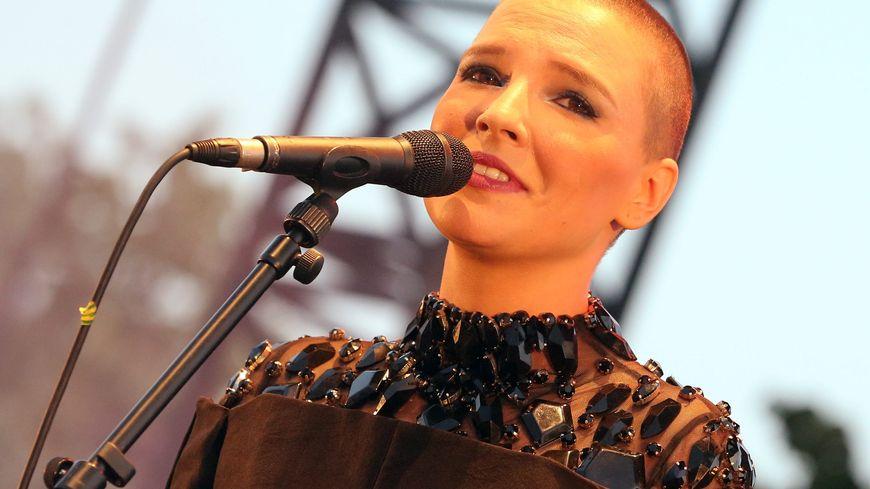 La chanteuse Anne Sila originaire de Valence dans la Drôme.