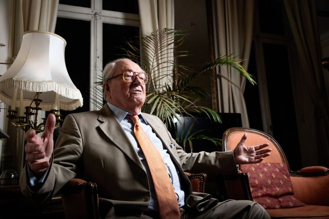 Jean-Marie Le Pen à son domicile à Saint-Cloud