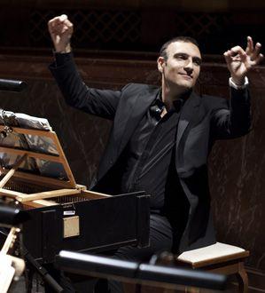 """Jérôme Correas, dirige l'ensemble """"Les Paladins"""""""