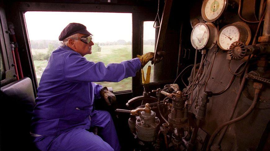La vieille locomotive est visible au musée du chemin de fer à Nîmes