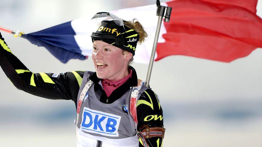 Marie Dorin-Habert double championne du monde de biathlon