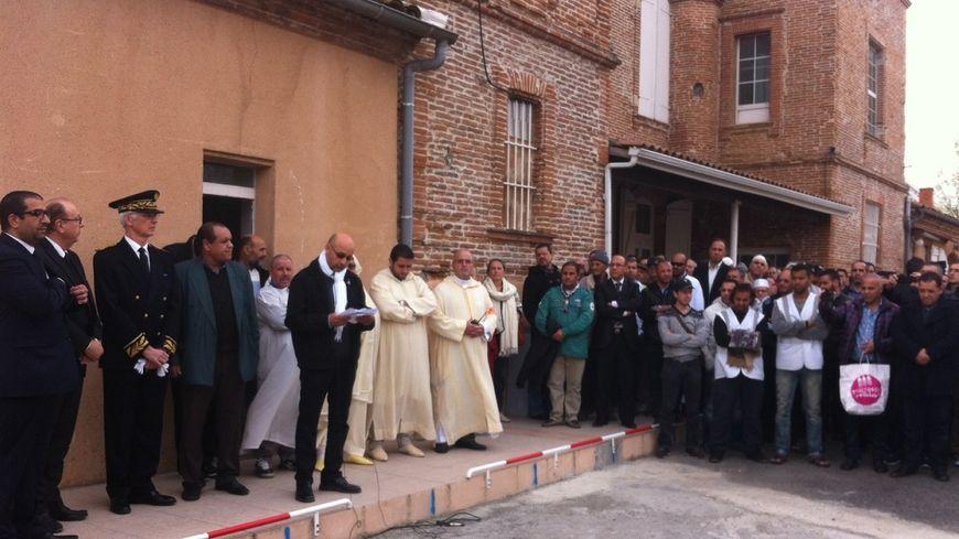 Hommage inter confessionnel à la mosquée du Mirail après la prière du vendredi