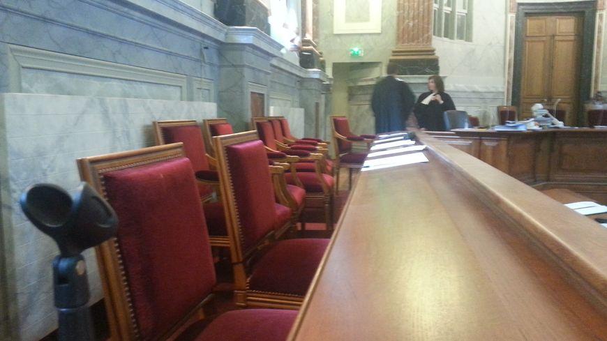 Le box des jurés de la cour d'assises de Pau