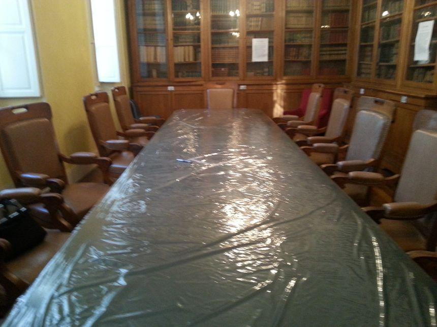 La table des délibarations de la Cour d'Assise de Pau