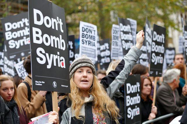Le parlement britannique doit se prononcer sur une intervention aérienne en Syrie