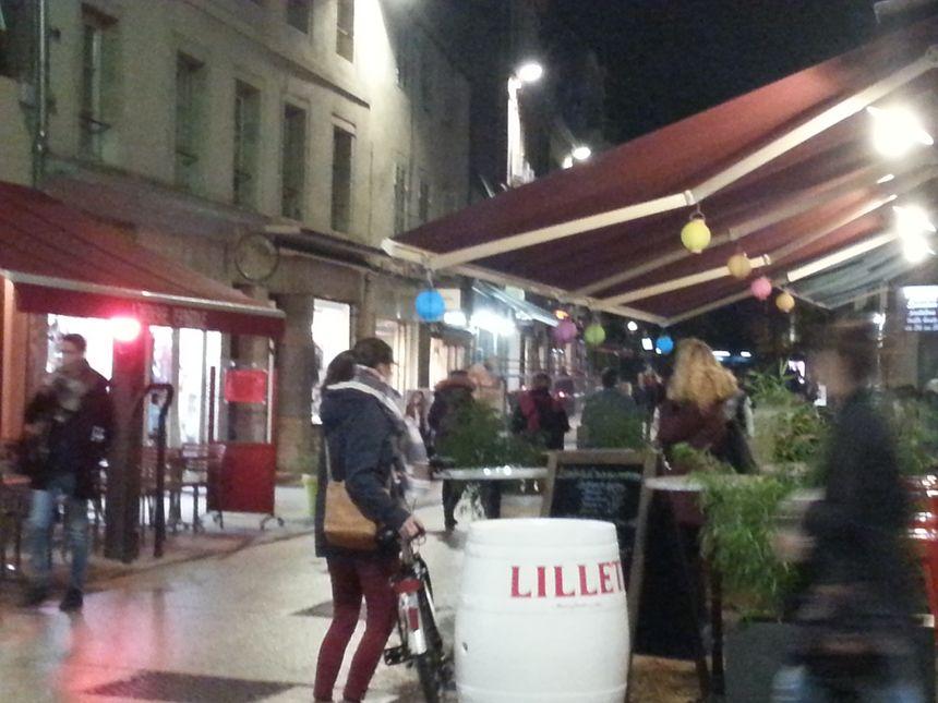 A Dijon, la vie reprend en terrasse