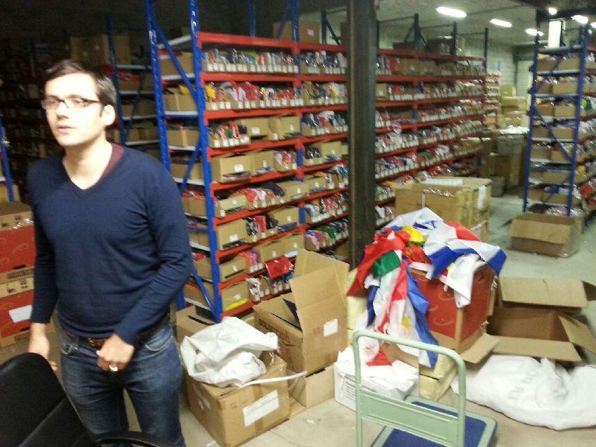L'entrepôt déborde de collections mais le bleu blanc rouge nat tous les records
