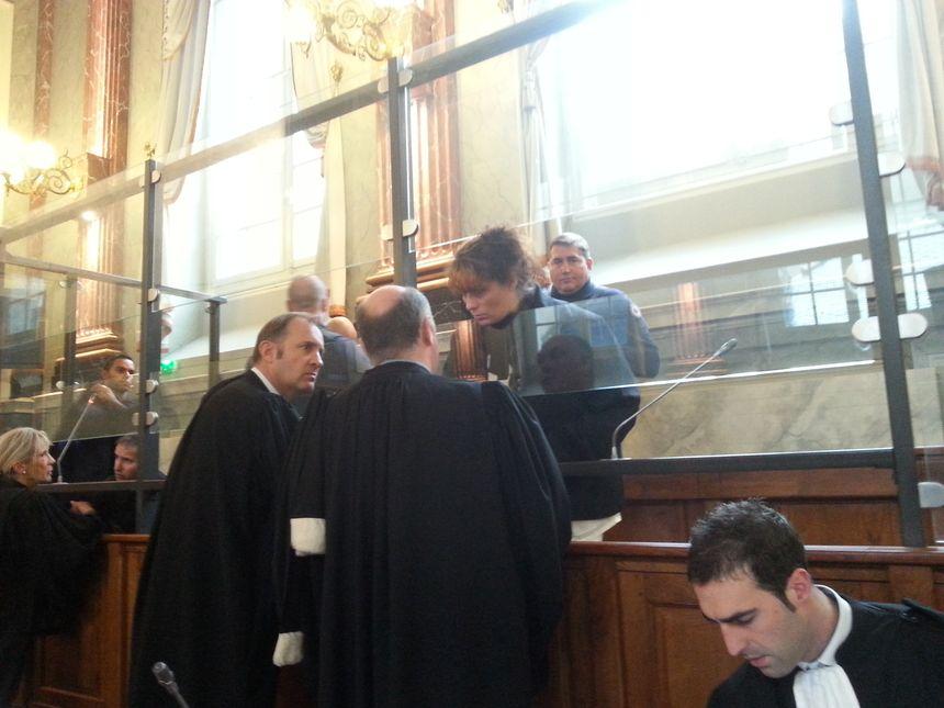 Karine Barboure avec ses avocats