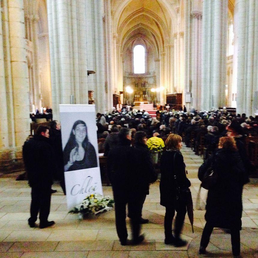 A l'entrée de la cathédrale de Poitiers, la photo de Chloé Boissinot