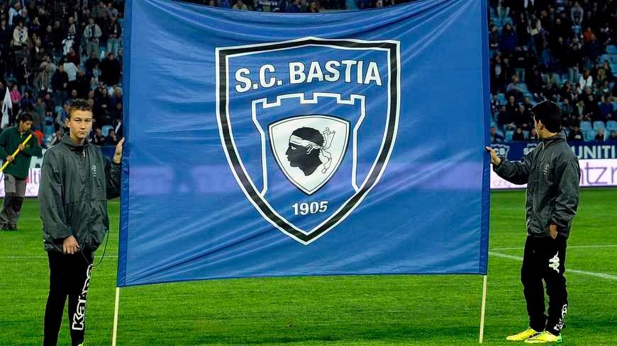 Le drapeau du Sporting club de Bastia
