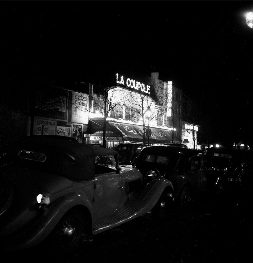 Bar de la Coupole de nuit, Paris