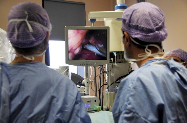 Opération d'un cancer de la vessie au CHRU de Lille