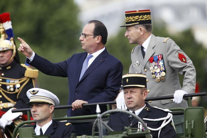 François Hollande lors du défilé du 14 juillet 2015