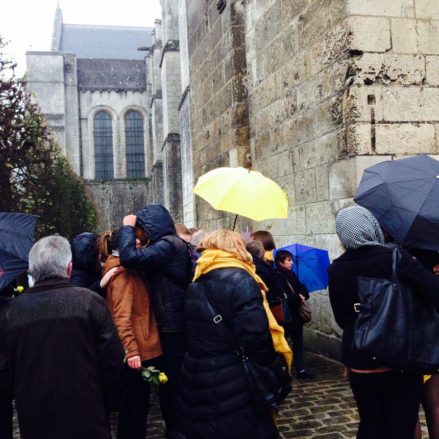 Obsèques de Chloé Boissinot : Cérémonie en jaune et noir