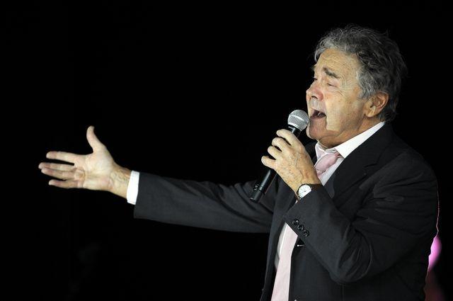 Vandoeuvre-lès-Nancy 2 mars 2014. Le chanteur français Pierre PERRET, 80 ans, en concert.