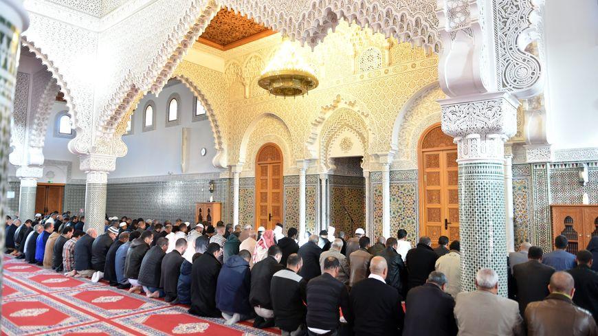 À la mosquée de Saint-Étienne