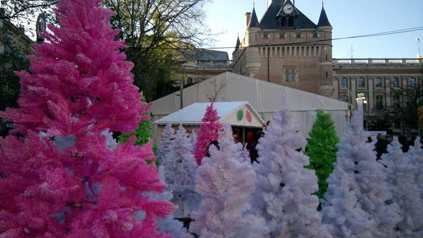 Le Village de Noël installé square De Gaulle à Toulouse