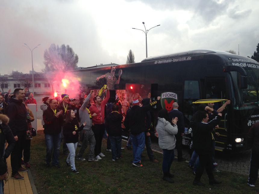 Les supporters du CSH déjà chauds à l'arrivée du bus des joueurs