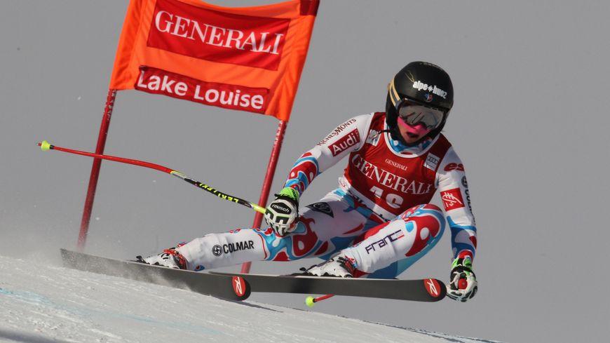 La skieuse de l'Alpe d'Huez Jennifer Piot en piste à Lake Louise
