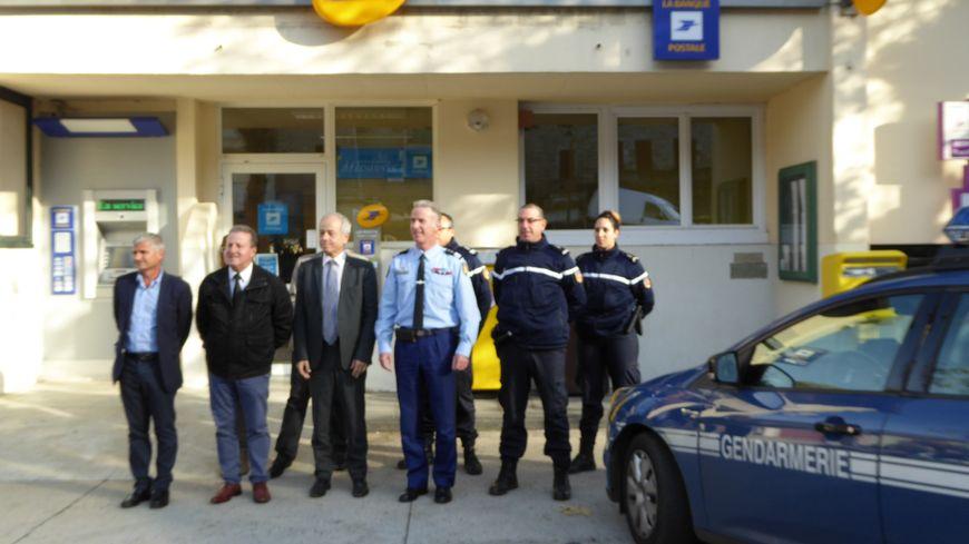 Une permanence de gendarmerie à la Poste de Montpezat-sous-Bauzon