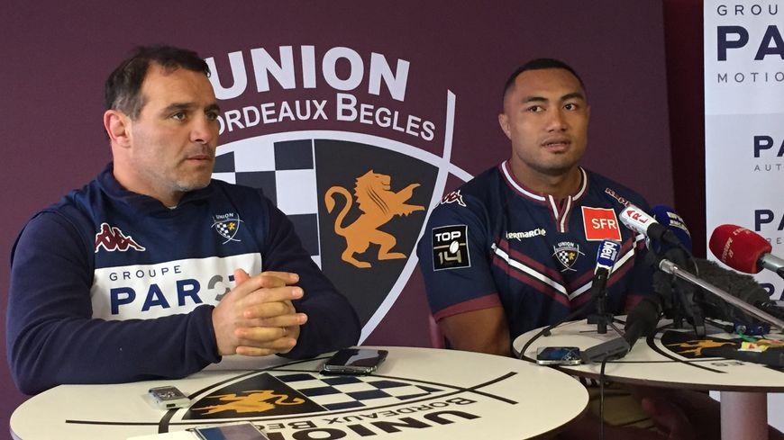 Sekope Kepu présenté par le manager de l'UBB, Raphael Ibanez.
