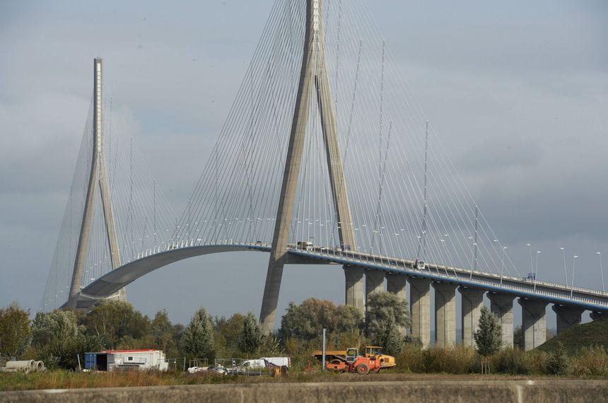 7,4 millions de véhicules ont franchi la Seine via le Pont de Normandie en 2014.