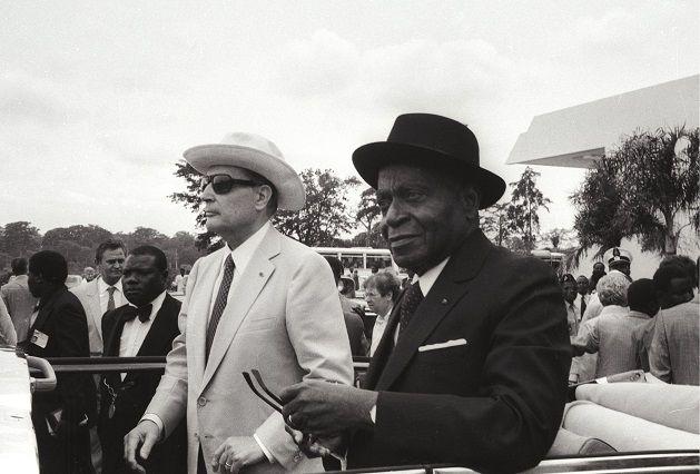 François Mitterrand et Félix Houphouët-Boigny en 1982 à Yamoussoukro