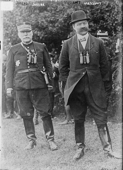 Joseph Joffre, chef d'état-major général de l'armée française et Adolphe Messimy, ministre de la Guerre en 1911
