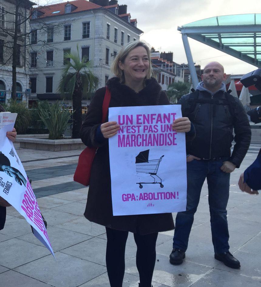 Ludovine De la Rochère présidente de la Manif pour tous place Clemenceau