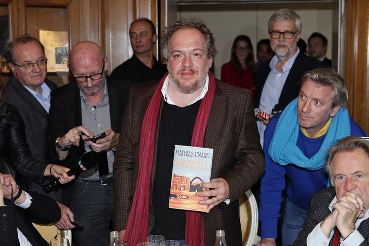 Mathias Enard reçoit le prix Goncourt le 3 novembre 2015