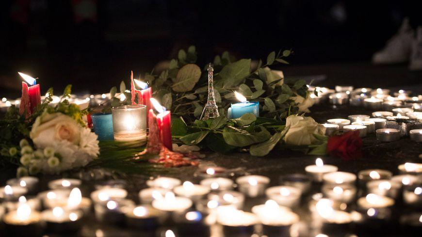 Rassemblements en hommage aux victimes des attentats (illustration).