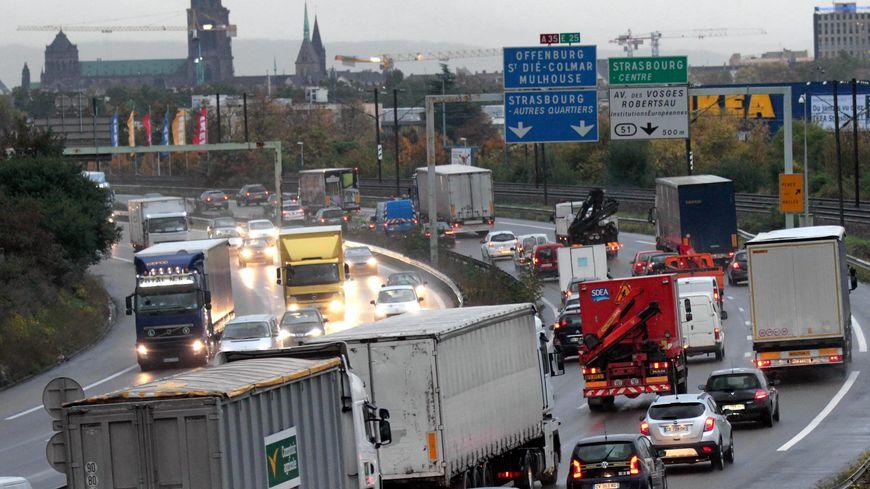 19.000 camions circulent chaque jour sur l'A35.