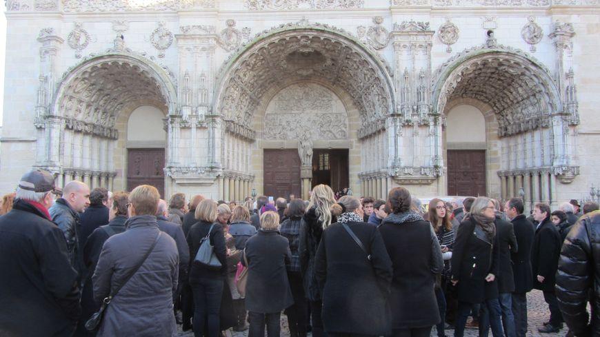 A Dijon, l'émotion était forte à la sortie des obsèques de Fabian Stech.