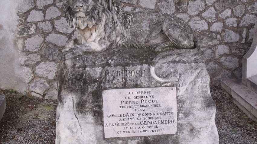 La tombe du gendarme Pecot à Aix