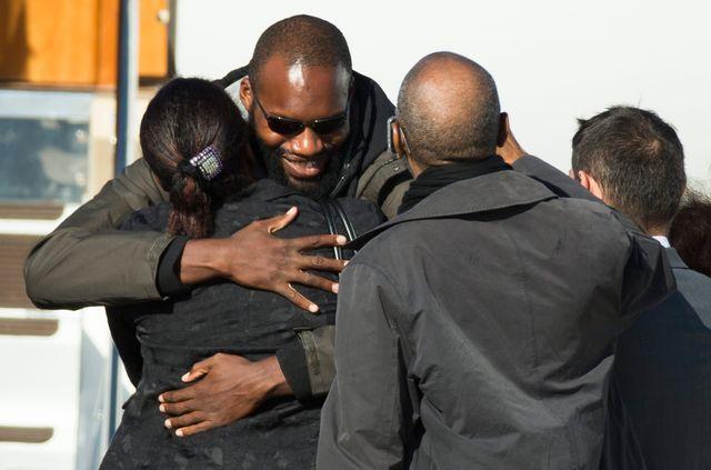 Thierry Dol, heureux de retrouver sa famille le 30 octobre 2013
