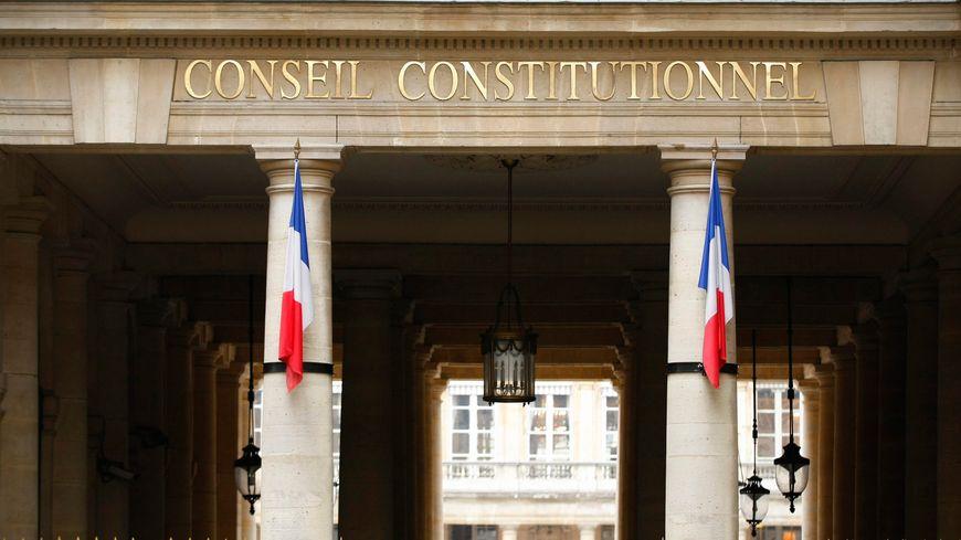 Le Conseil constitutionnel se prononce sur les assignations à résidence