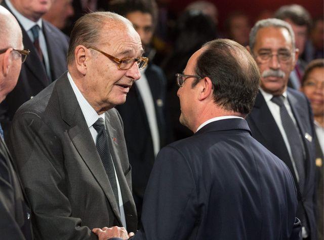 Jacques Chirac et François Hollande à la remise du prix de la fondation qui porte le nom de l'ancien président en 2014