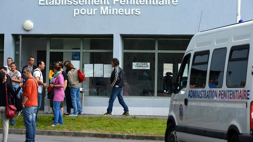 Nantes incidents la prison pour mineurs for Stage cuisine nantes