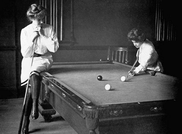 Joueuses de billard en 1903