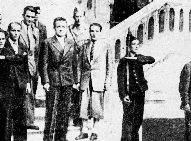 Francois Mitterrand avec Henri Frenay (membre du Gouvernement provisoire) et Philippe Dechartre début septembre 1944