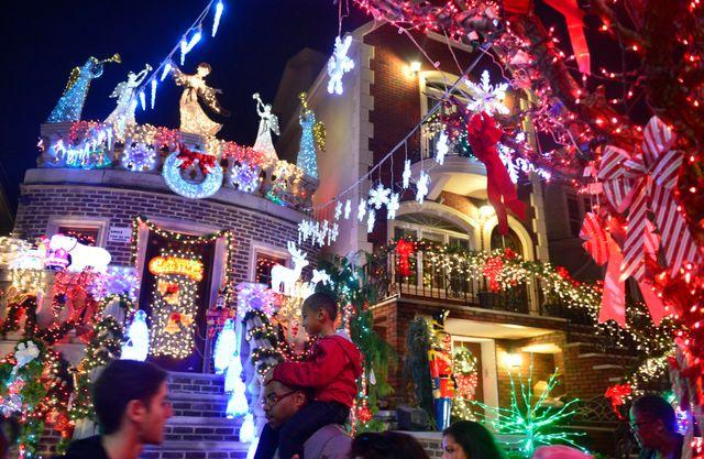 Illuminations des fêtes de fin d'année à Brooklyn (New York)