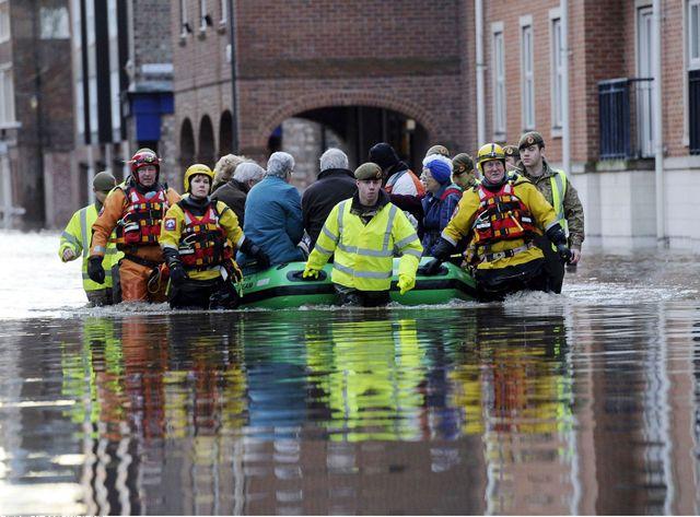 """Le nord de l'Angleterre touché par des inondations """"sans précédent"""""""