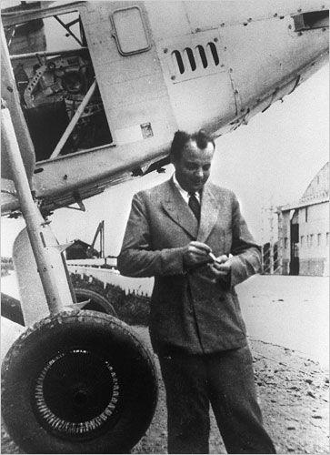Antoine de Saint Exupéry à Toulouse, en 1933