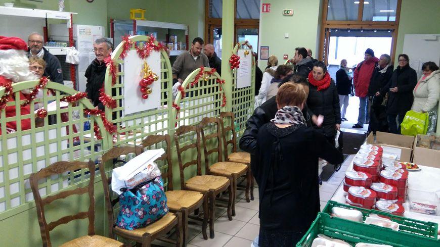 Ce mardi, à Cherbourg, c'était la dernière distribution avant Noël